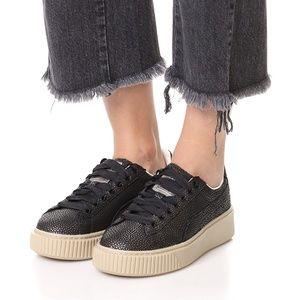 PUMA Women's Platform LUX Wn Sneaker, 9.5, EUC